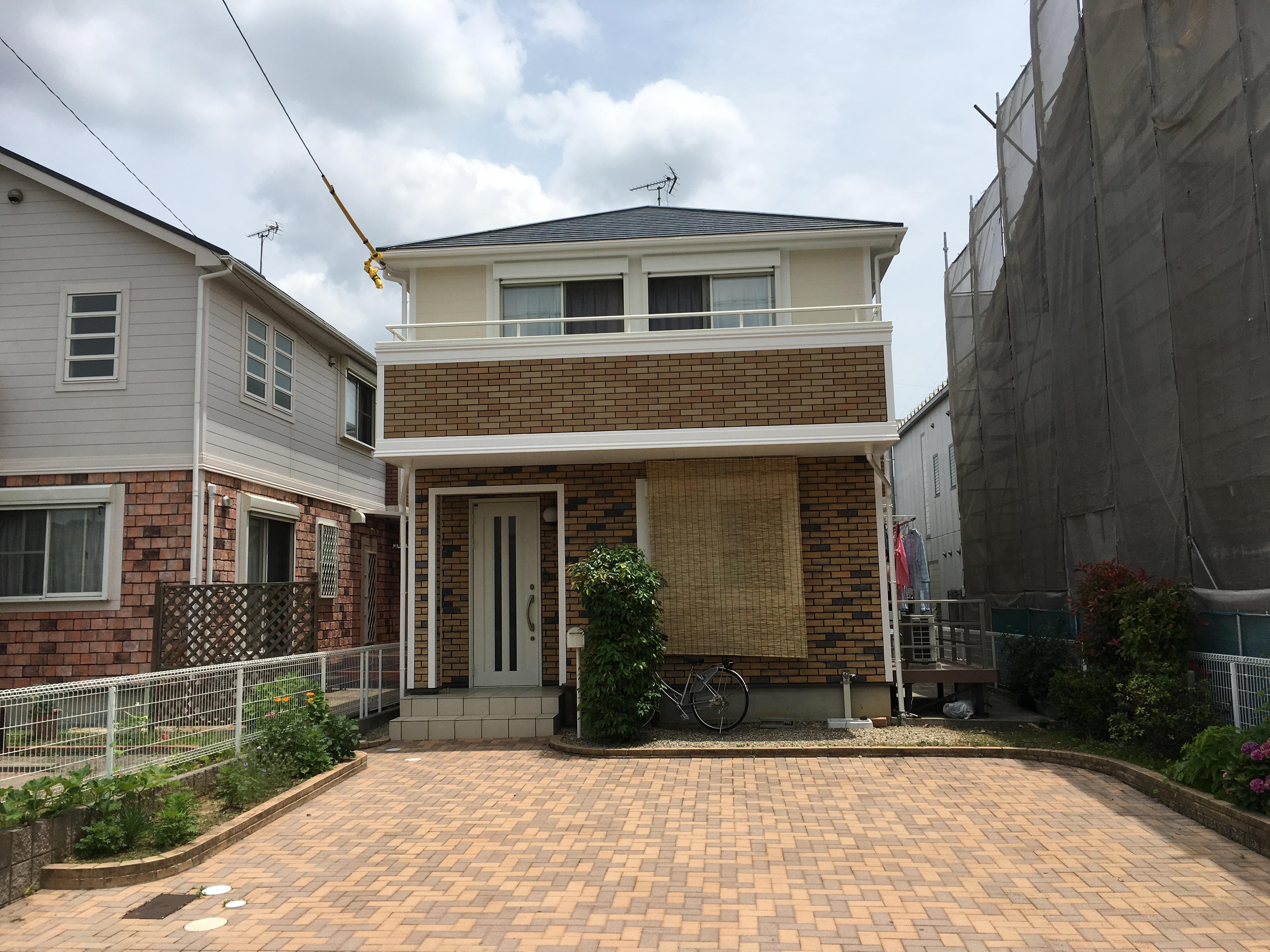 遮熱・防水塗料を使用し長期的に建物を守ります!