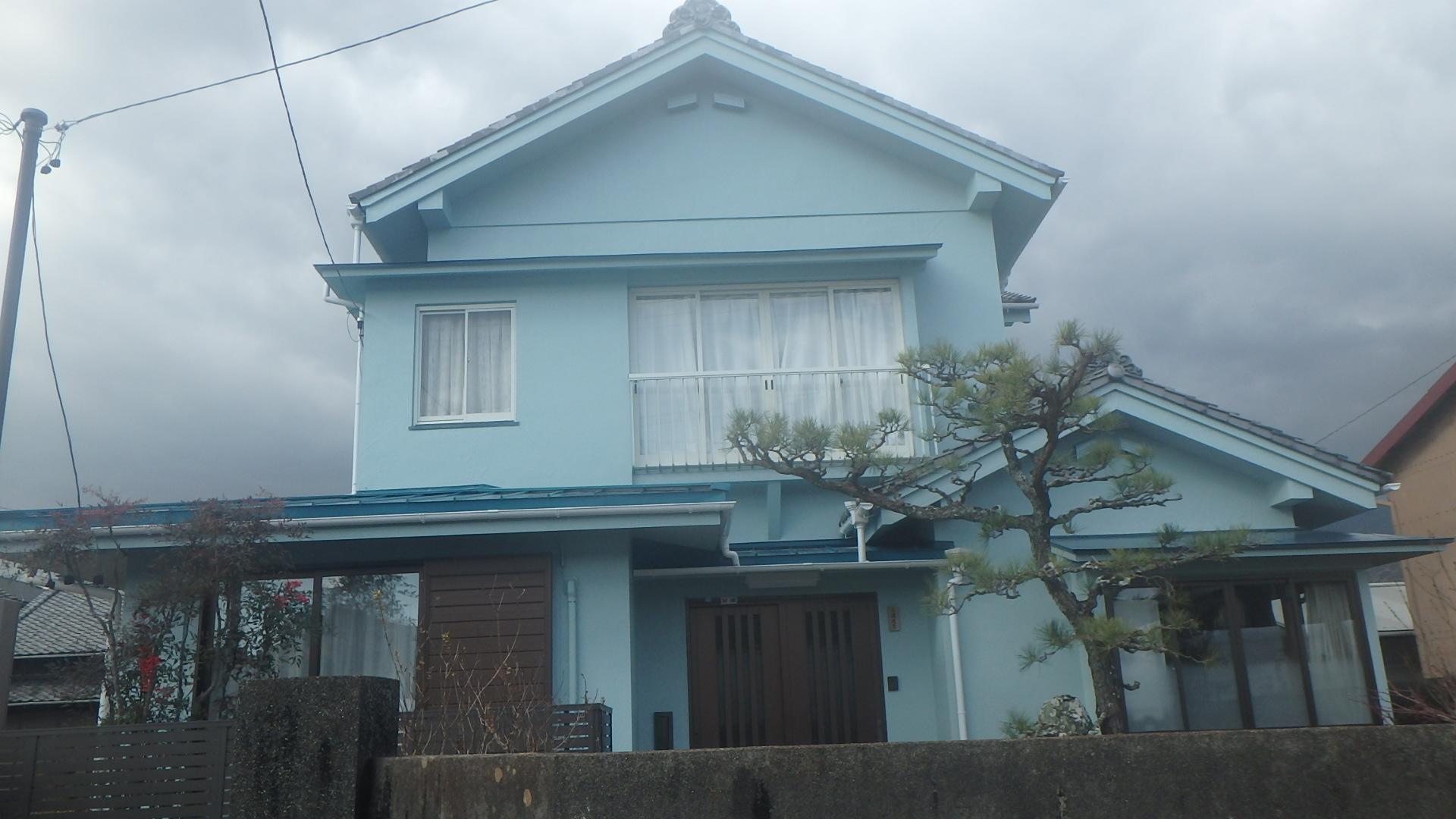 各素材に適した塗料で、早期劣化の心配はいりません。しっかり雨水から家を守ります
